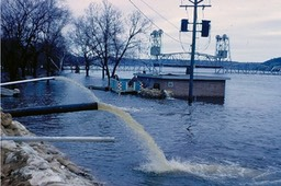 Assisting Stillwater - Flood of 1965 (12)