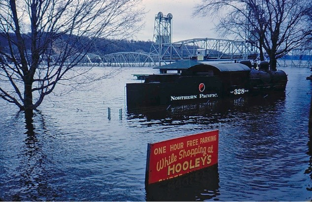 Assisting Stillwater - Flood of 1965 (9)